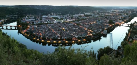 Cahors, its vineyards and the Valentré bridge